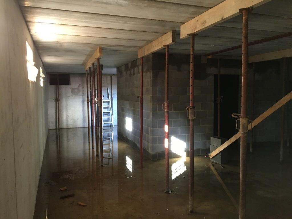 question comment descendre un combin dans une cave par keskispass sur l 39 air du bois. Black Bedroom Furniture Sets. Home Design Ideas