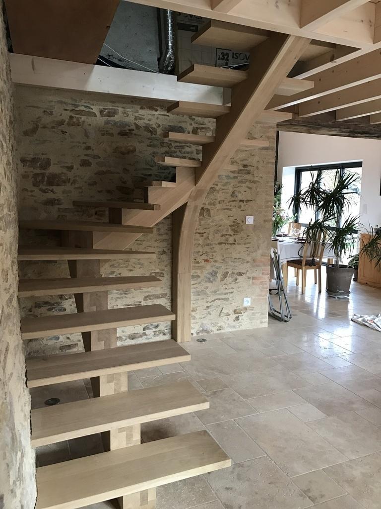 escalier limon central par loccabruno sur l 39 air du bois. Black Bedroom Furniture Sets. Home Design Ideas