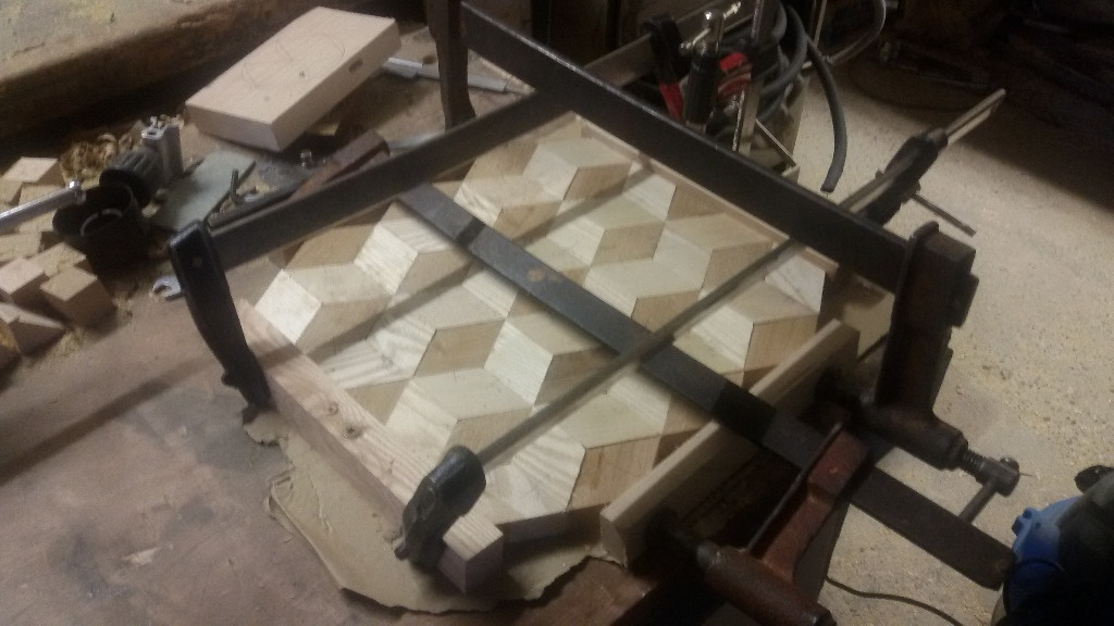 Assemblage Bois Hexagone : Desous de plat 3d par step sur L'Air du Bois