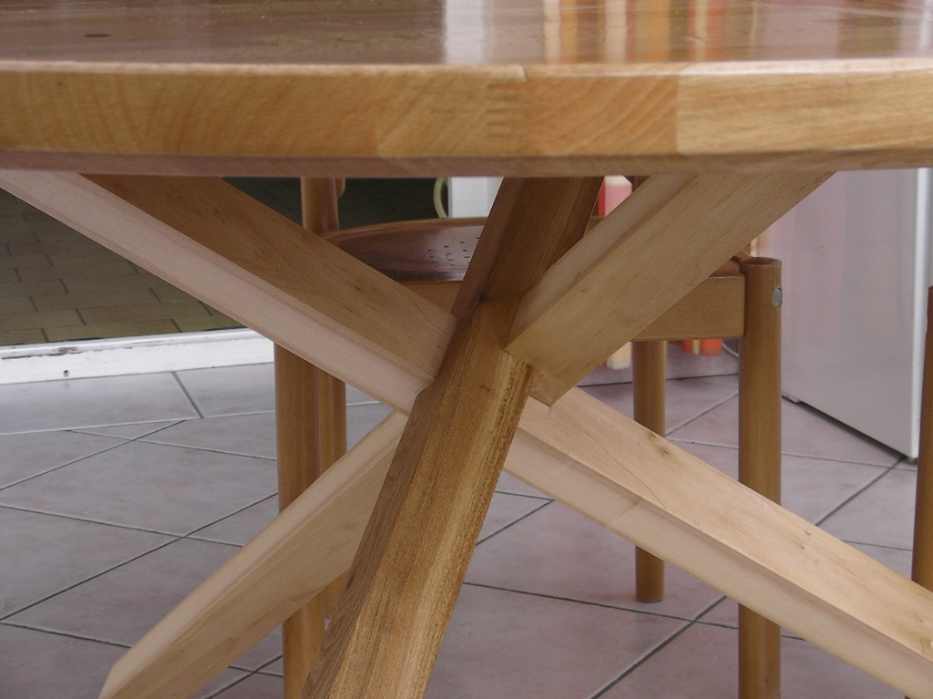 Table Casse Tete Par Jeanco77 Sur L Air Du Bois