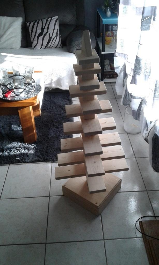 sapin de noel par deco bois sur l 39 air du bois. Black Bedroom Furniture Sets. Home Design Ideas