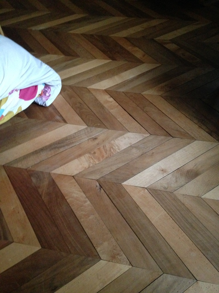 question que faire avec un parquet qui se fait manger par boris beaulant sur l 39 air du bois. Black Bedroom Furniture Sets. Home Design Ideas