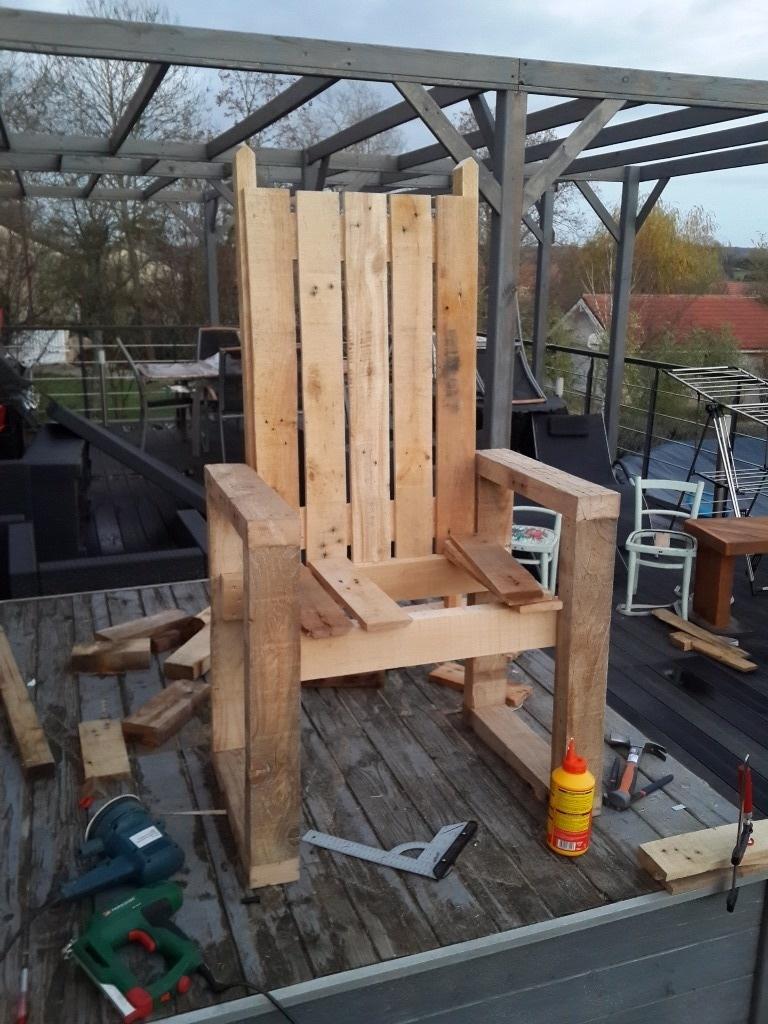 le pallet 39 tr ne par la menuisette sur l 39 air du bois. Black Bedroom Furniture Sets. Home Design Ideas