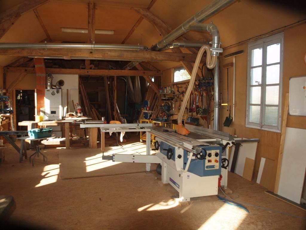 Atelier de menuiserie tout en bois créé dans les années 30 par Boisenformes sur L'Air du Bois # Atelier De Menuiserie Bois