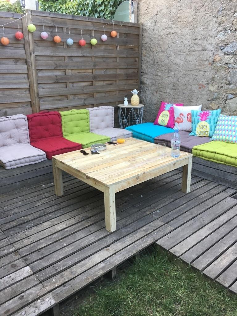 table basse salon de jardin par chechexav sur l 39 air du bois. Black Bedroom Furniture Sets. Home Design Ideas