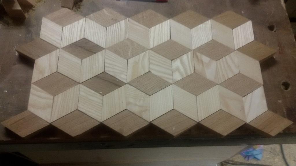 Assemblage Bois Hexagone : apr?s avoir regarder quelque vid?o sur le net de planche a d?couper