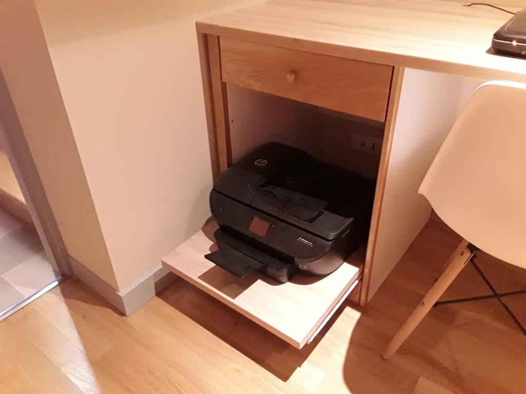 Simple bureau par atelierarboisien sur lair du bois