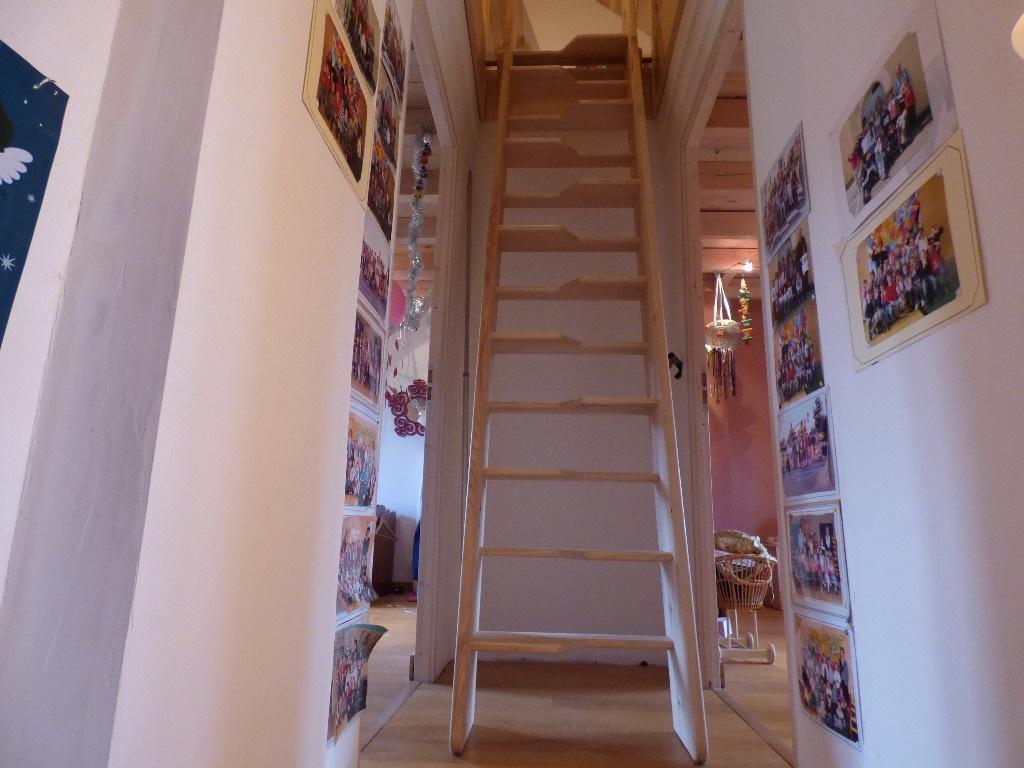 echelle de meunier escamotable par wil sur l 39 air du bois. Black Bedroom Furniture Sets. Home Design Ideas