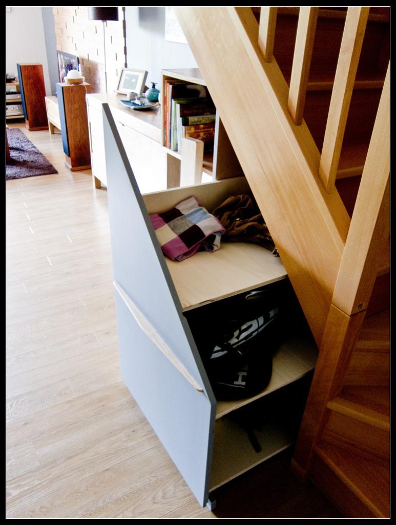 caisson sous escalier. Black Bedroom Furniture Sets. Home Design Ideas