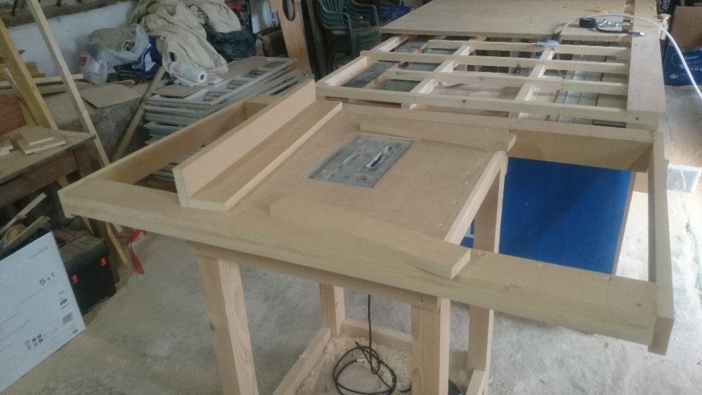 Table defonceuse et scie circulaire par pierrotonthemoon sur l 39 air du bois - Guide scie circulaire ...