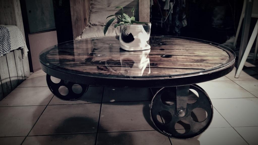 Table basse touret par Zourit sur L\'Air du Bois