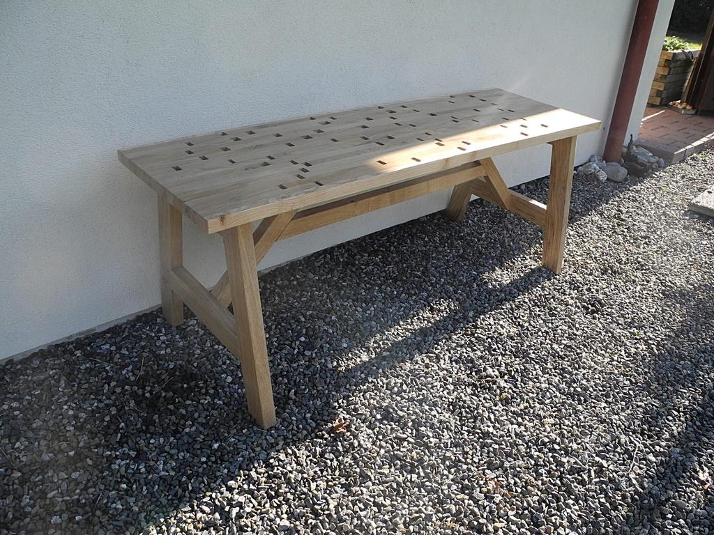 un banc pour l 39 ext rieur par peiot sur l 39 air du bois. Black Bedroom Furniture Sets. Home Design Ideas