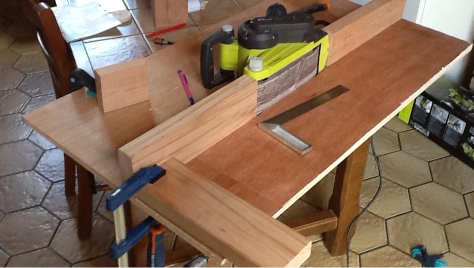 Meuble pour ponceuse a bande par woodandcrafts sur l 39 air du bois - Ponceuse a bande sur table ...