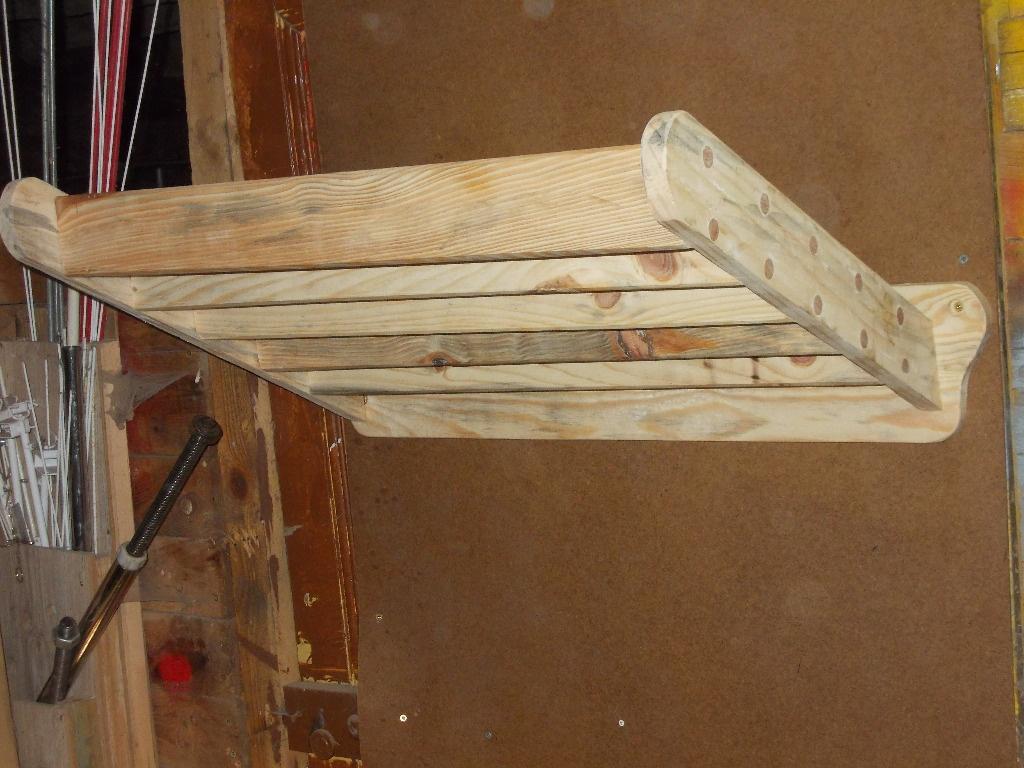 porte tapis de selle ou porte serviette par graeme sur l 39 air du bois. Black Bedroom Furniture Sets. Home Design Ideas