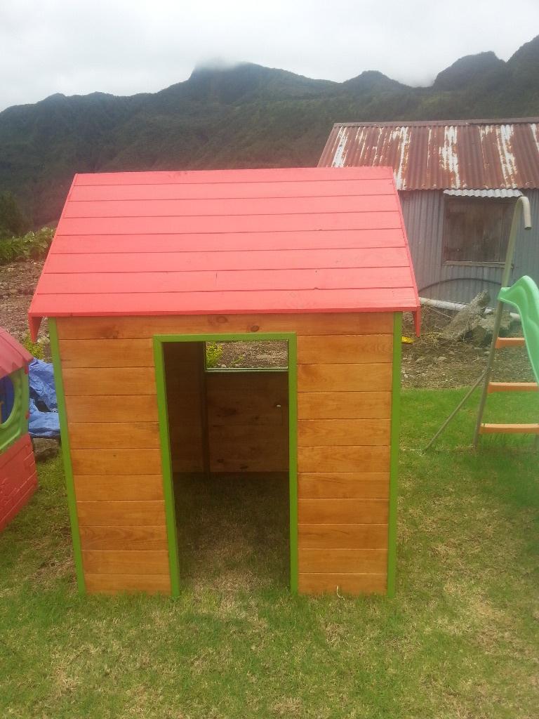 petite cabane par seb974 sur l 39 air du bois. Black Bedroom Furniture Sets. Home Design Ideas