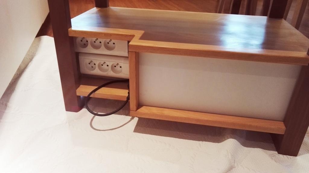 meuble tv h tre noyer par nico39 sur l 39 air du bois. Black Bedroom Furniture Sets. Home Design Ideas