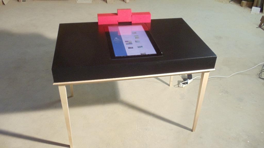 le petit bureau connect ann es 60 par martinlecomte sur l 39 air du bois. Black Bedroom Furniture Sets. Home Design Ideas