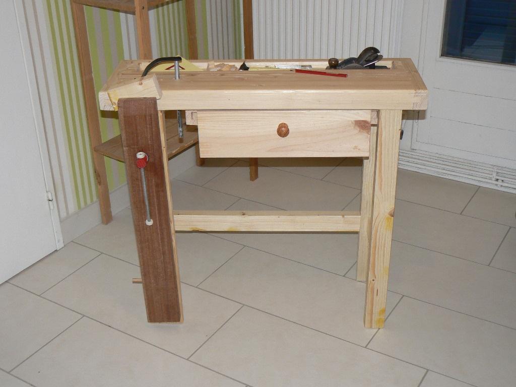 etabli pour enfant par dhn sur l 39 air du bois. Black Bedroom Furniture Sets. Home Design Ideas