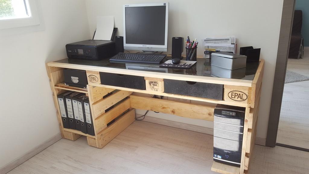 bureau palette et verre par otic sur l 39 air du bois. Black Bedroom Furniture Sets. Home Design Ideas