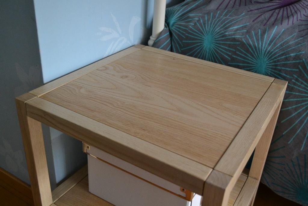 table de chevet par quentinarbre sur l 39 air du bois. Black Bedroom Furniture Sets. Home Design Ideas