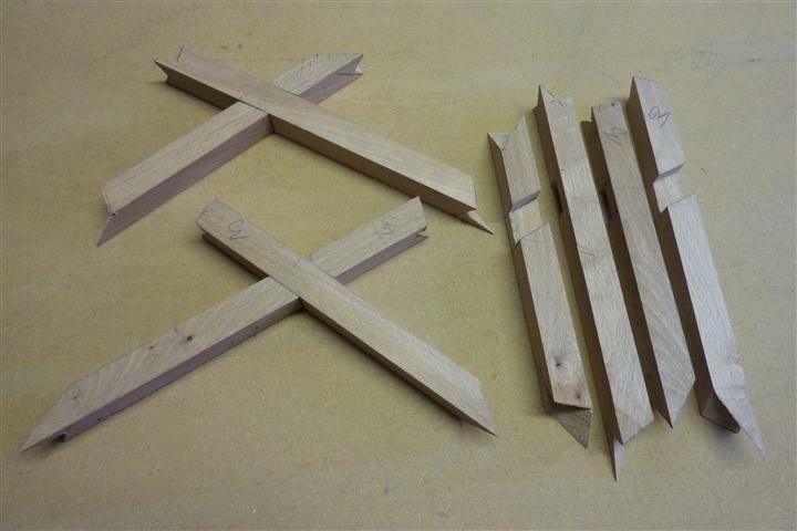 4 croix de saint andr asymetriques sur 4 pieds par. Black Bedroom Furniture Sets. Home Design Ideas