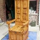 Chaise d'inspiration médiévale