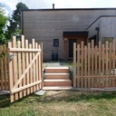 Clôture ajourée, portillon et escalier extérieur en douglas