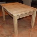 Une Petite Table de Salon
