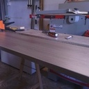 Fabrication d'un lit a tiroirs en mélaminé chêne brun .