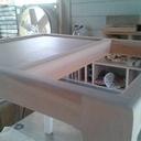 Petite table porte-revues