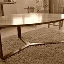 Table basse trois pieds