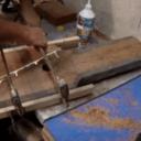Restauration d'un vieil étau en bois