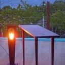 Console Amarante et sa lampe rétro