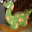 Dinosaure à bascule.