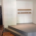 Estrade 3 plis, étagères et bureau massif