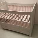Lit pour bébé avec tiroir