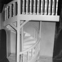 Maquette d exercice d un escalier hélicoïdal en carton plume