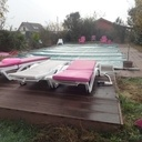 Terrasse de piscine en bois composite