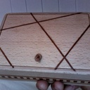 Boîte avec incrustation