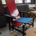 Chaise bleue et rouge de Gerrit Rietveld