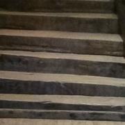 Marches d escalier en poutres équarries