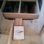 Pose des ossatures de palier et prise de mesures pour les escaliers
