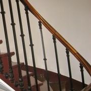rampe à l anglaise barreaudage en fonte et main courante en bois