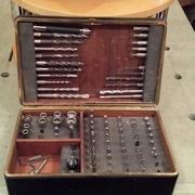 Ancienne boîte à cigares reconvertie en porte-bits