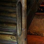 pilastre ancien (art populaire) formé d un poteau sur noyau creux