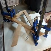 utilisation de cales + tiges filetées pour les serrages