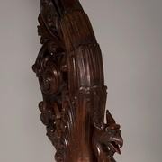 pilastre néogothique sculpté