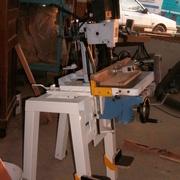 Mortaiseuse Fox fixe couplée à une table de mortaiseuse de combinée