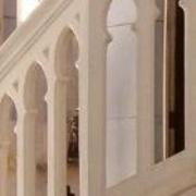 rampe de chaire à prêcher en pierre de taille neogothique