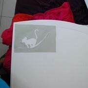 Pochoir pour le petit design perso sur le lit